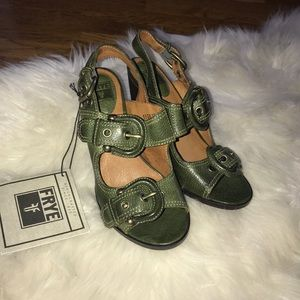 FRYE Amy sling back leather green sandals 6.5 NWT